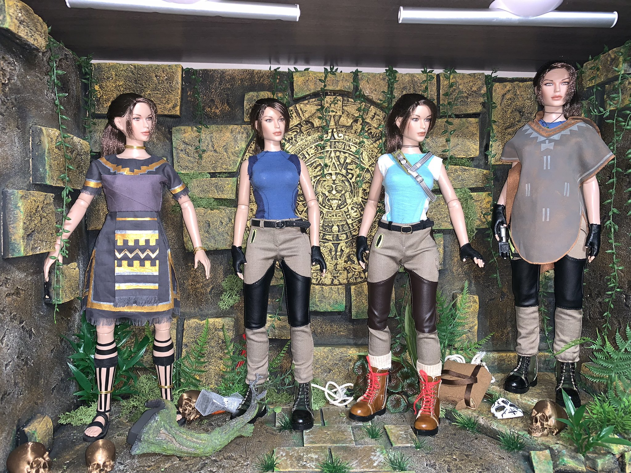 christophe-croft-lara-croft-tonner-doll-02