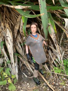 christophe-croft-lara-croft-tonner-doll-07