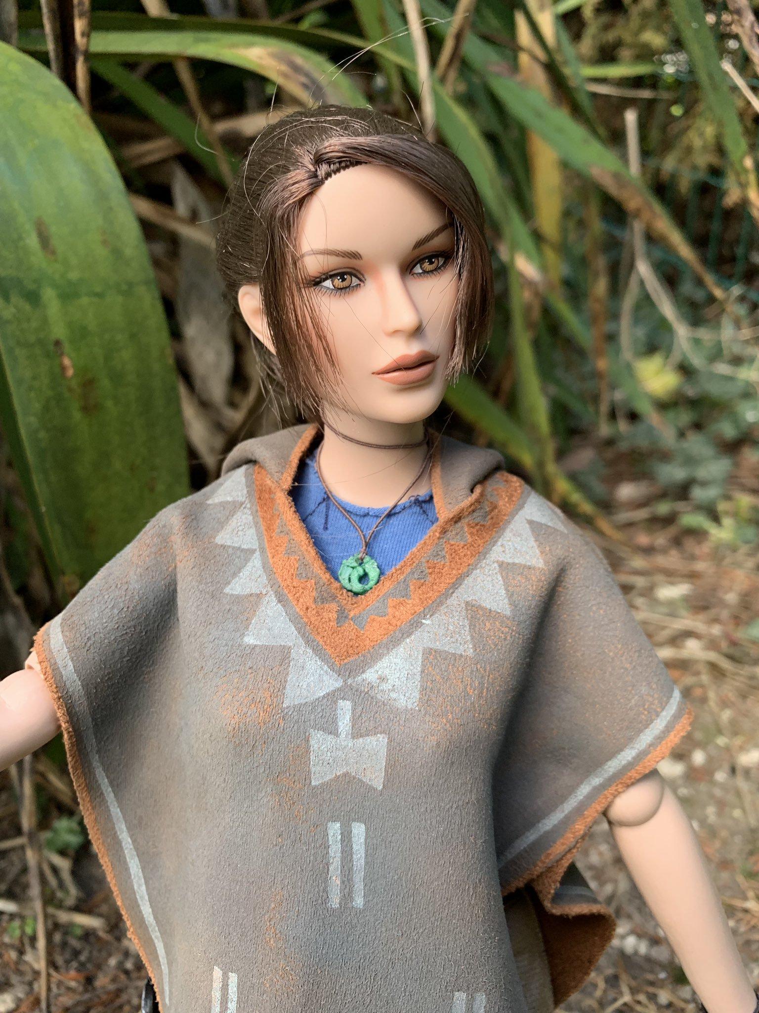 christophe-croft-lara-croft-tonner-doll-08