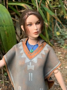 christophe-croft-lara-croft-tonner-doll-08