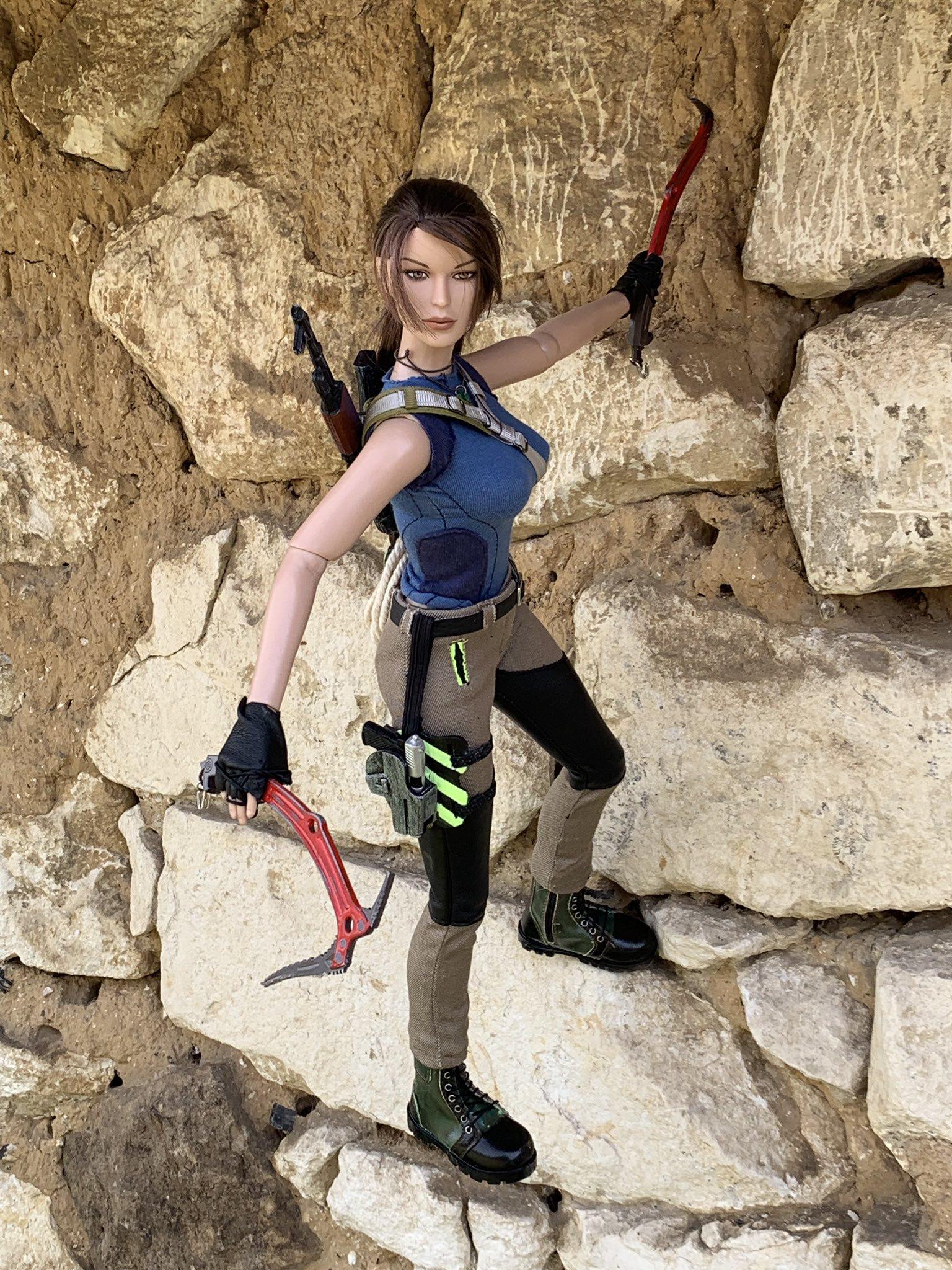 christophe-croft-lara-croft-tonner-doll-13