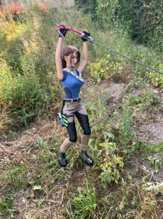 christophe-croft-lara-croft-tonner-doll-14
